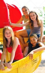 schoolgirls_2032